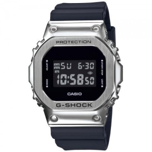 Часы Casio GM-5600-1ER